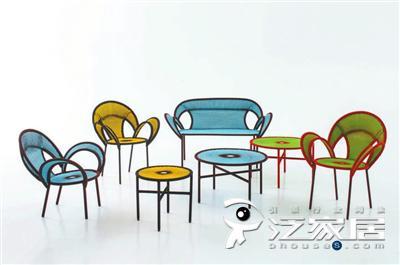 不仅仅拥有甜心的名号,Moroso家具也是天马行空和精湛工艺的熟练驾驭者,每一季沙发、座椅、茶几、户外家具等,都在描绘某个故事,并展现纯真美好的姿态.jpg
